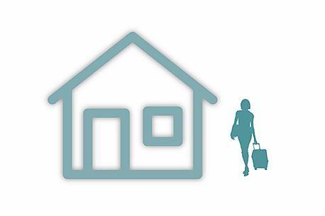 La cesión de apartamentos con la finalidad expresamente establecida de su explotación como apartamentos turísticos a cambio de un porcentaje de los ingresos, está sujeta al IVA