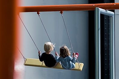 ¿Eres madre trabajadora con hijos menores de 3 años en guarderías o centros infantiles autorizados?