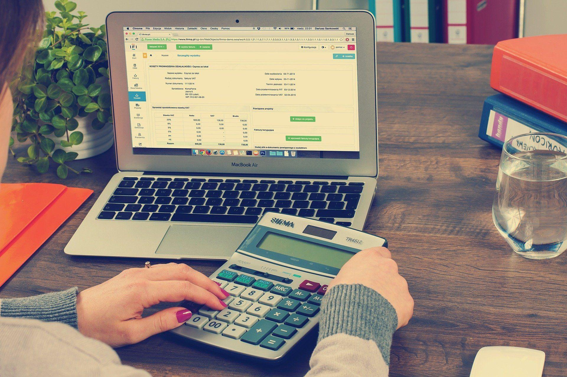 Adaptación de la Ley del IVA a la normativa europea del comercio electrónico.