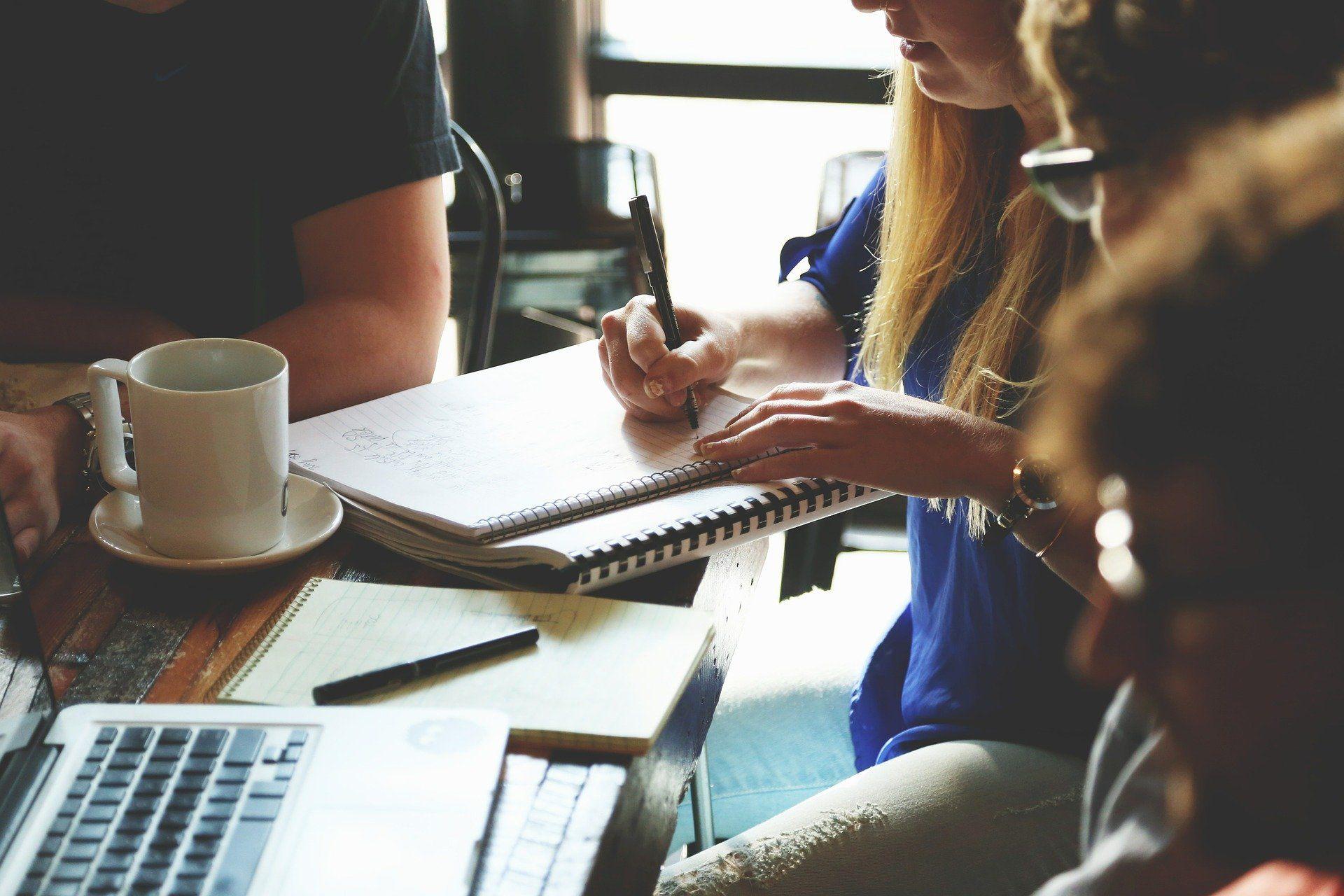 Ayudas dirigidas al fomento del emprendimiento de jóvenes inscritos en el fichero del Sistema Nacional de Garantía Juvenil.
